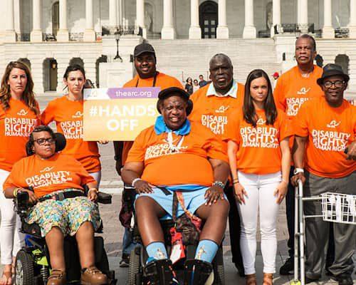 group-photo-of-volunteers